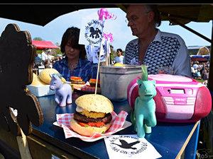 28-my-little-pony-burger-kvhod-e7417aa1a9e770f60cb41c7dd24005337ee619c1-s300-c85
